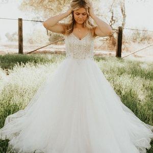 Alberto Mikali White Ball Gown